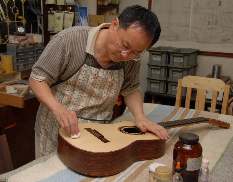 Gitar yapımı -iyi seyirler: Yapmak mı zor, çalmak mı zor